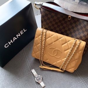CHANEL Beige Diamond Quilted Chain Flap Bag